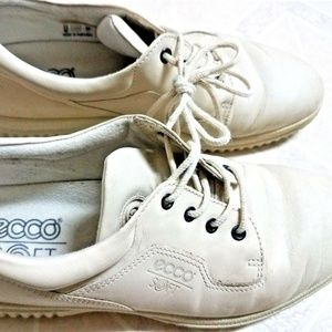 ECCO Womens Size US 9 9.5 Walking Shoes Lace Up